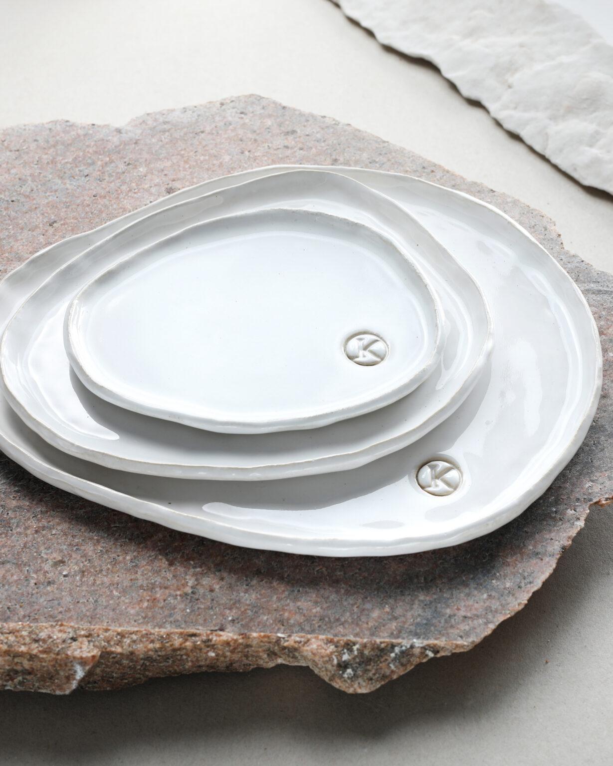 Talerze ceramiczne białe kamionkowe