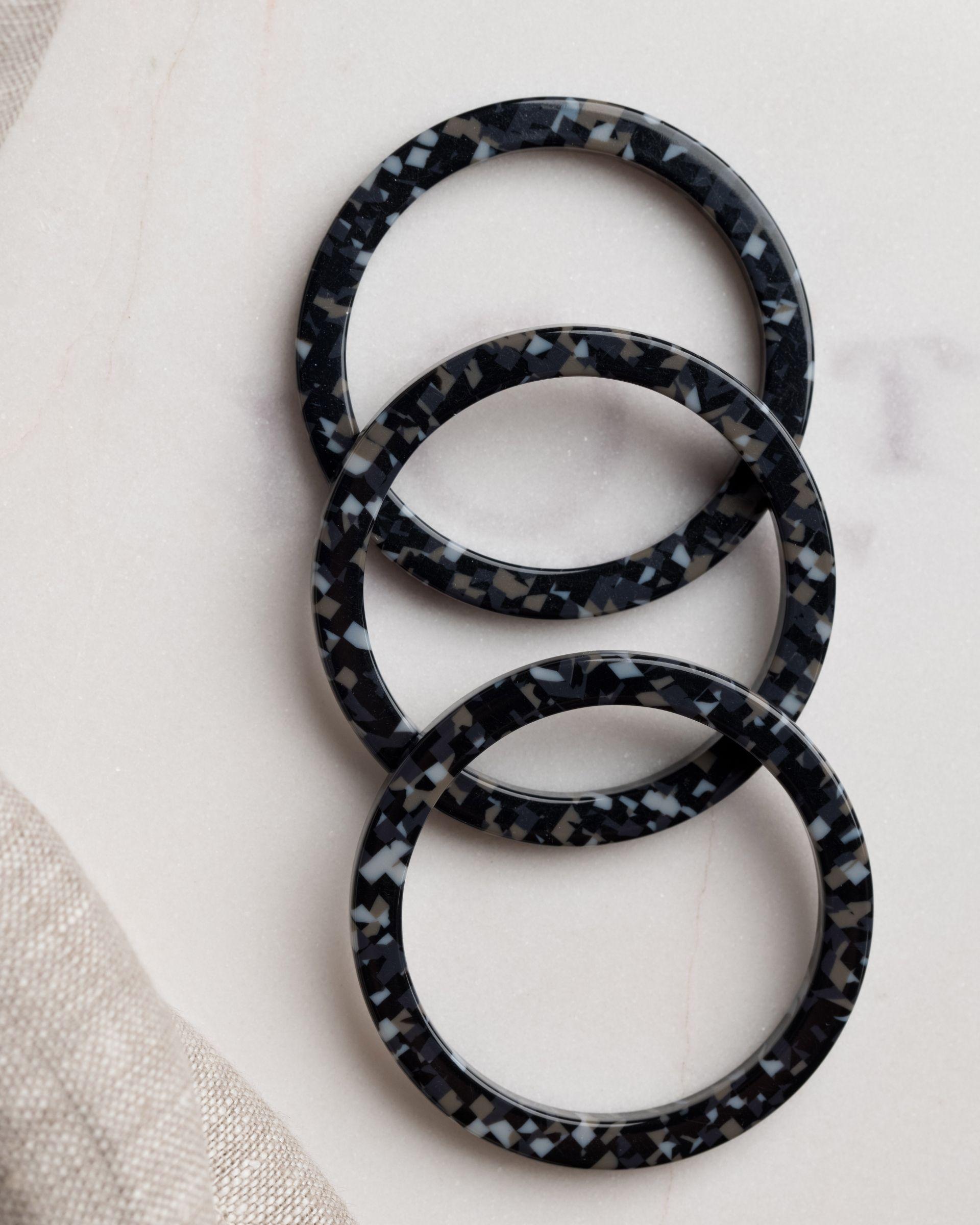 Pierścień na serwetę ciemny